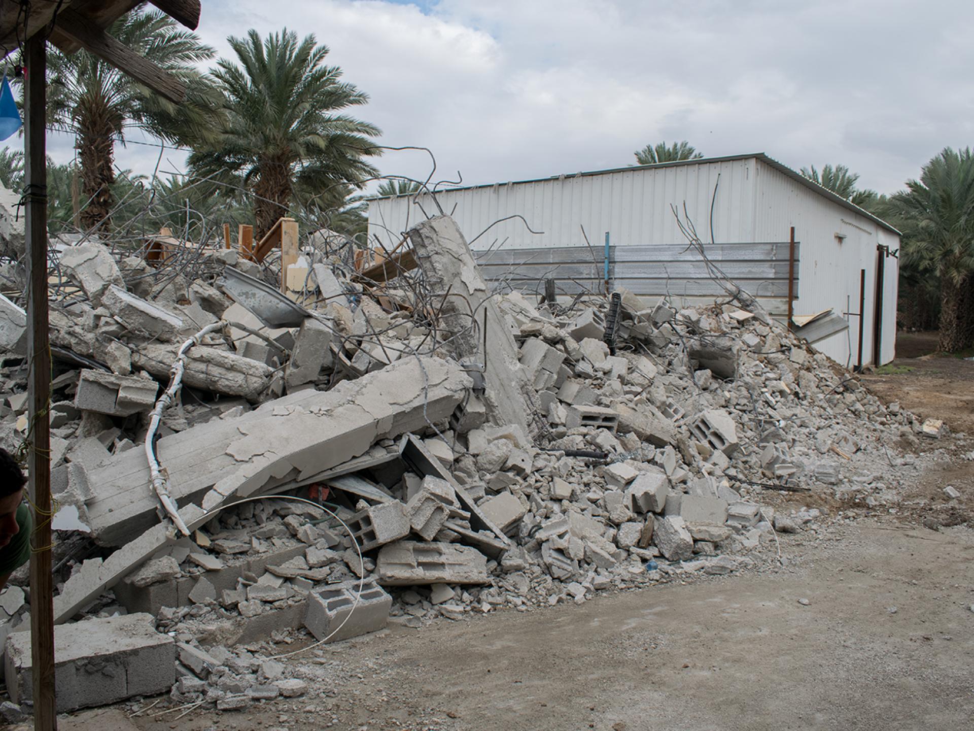 בקעת הירדן: הריסות באבו אל עג'אג'
