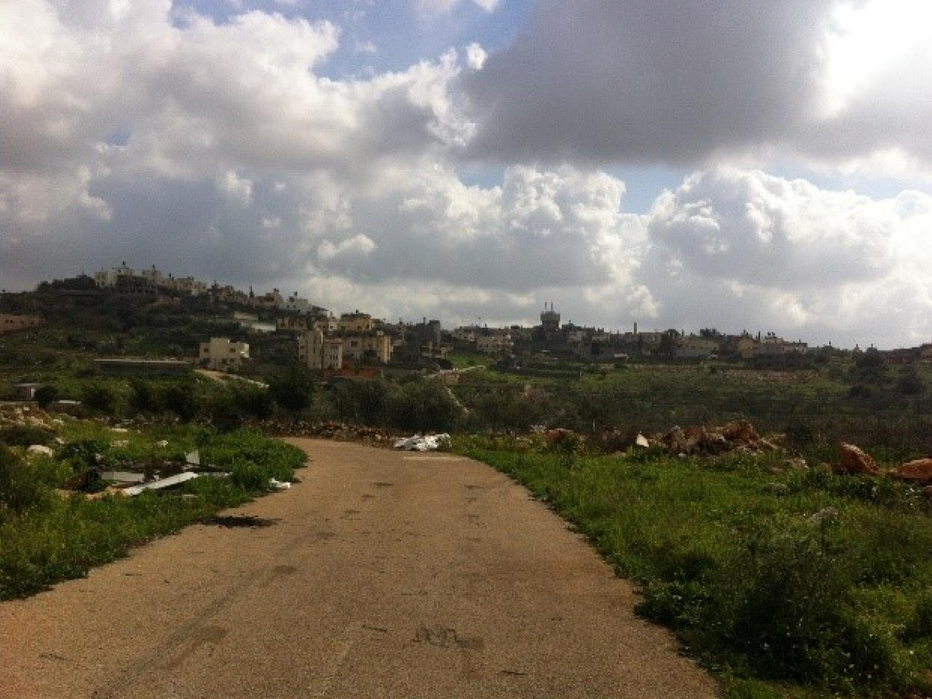 מבט על כפר מסחה ממחסום מסחה צפון