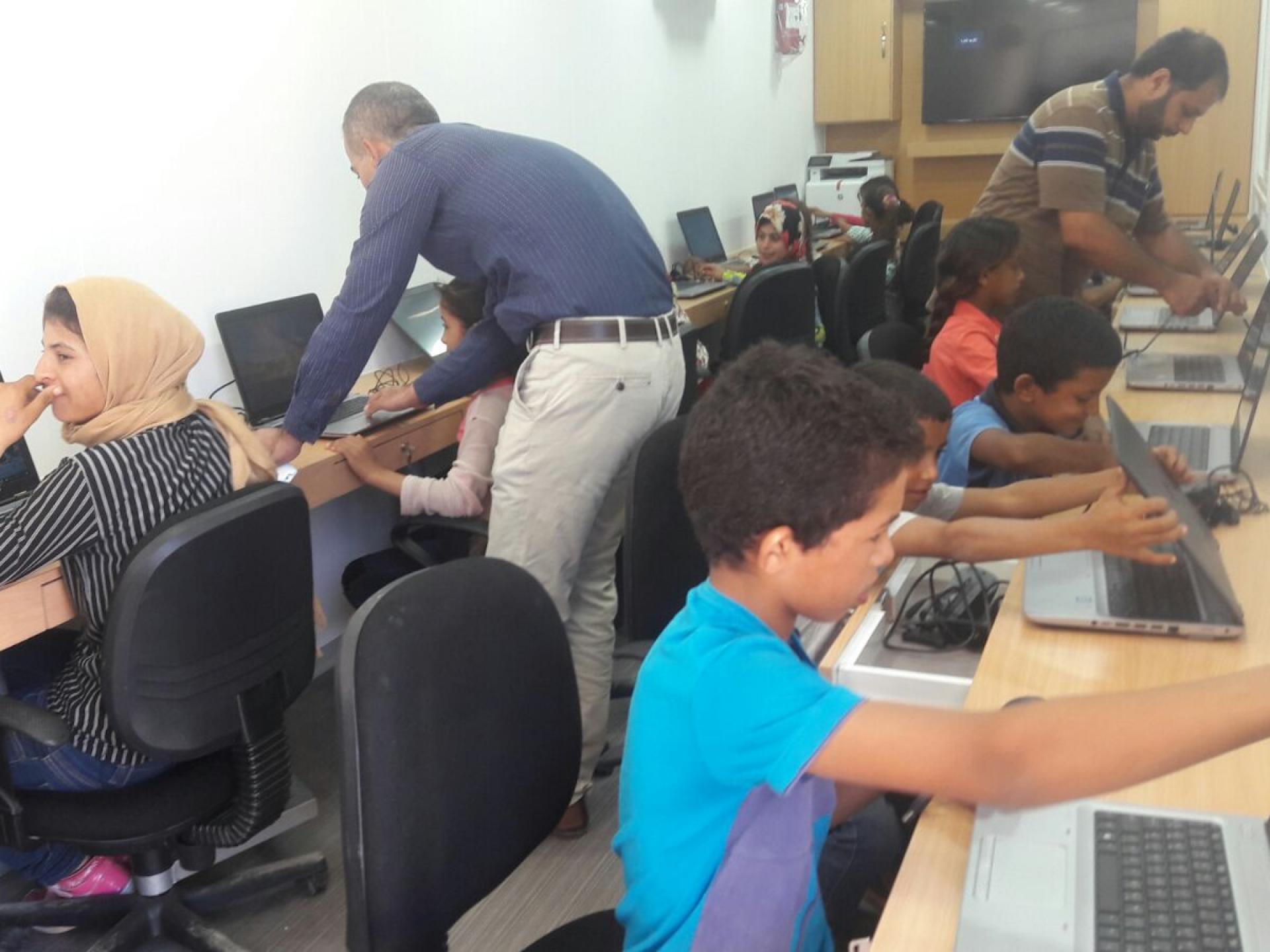 Palestinian Jordan Valley, Hamam Al Malih: mobile computer class