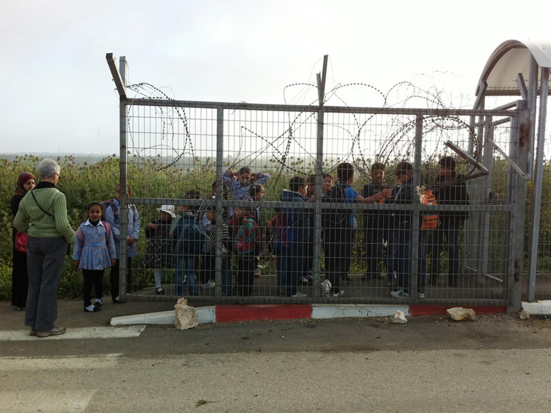 Tura/Shaked checkpoint 14.04.13