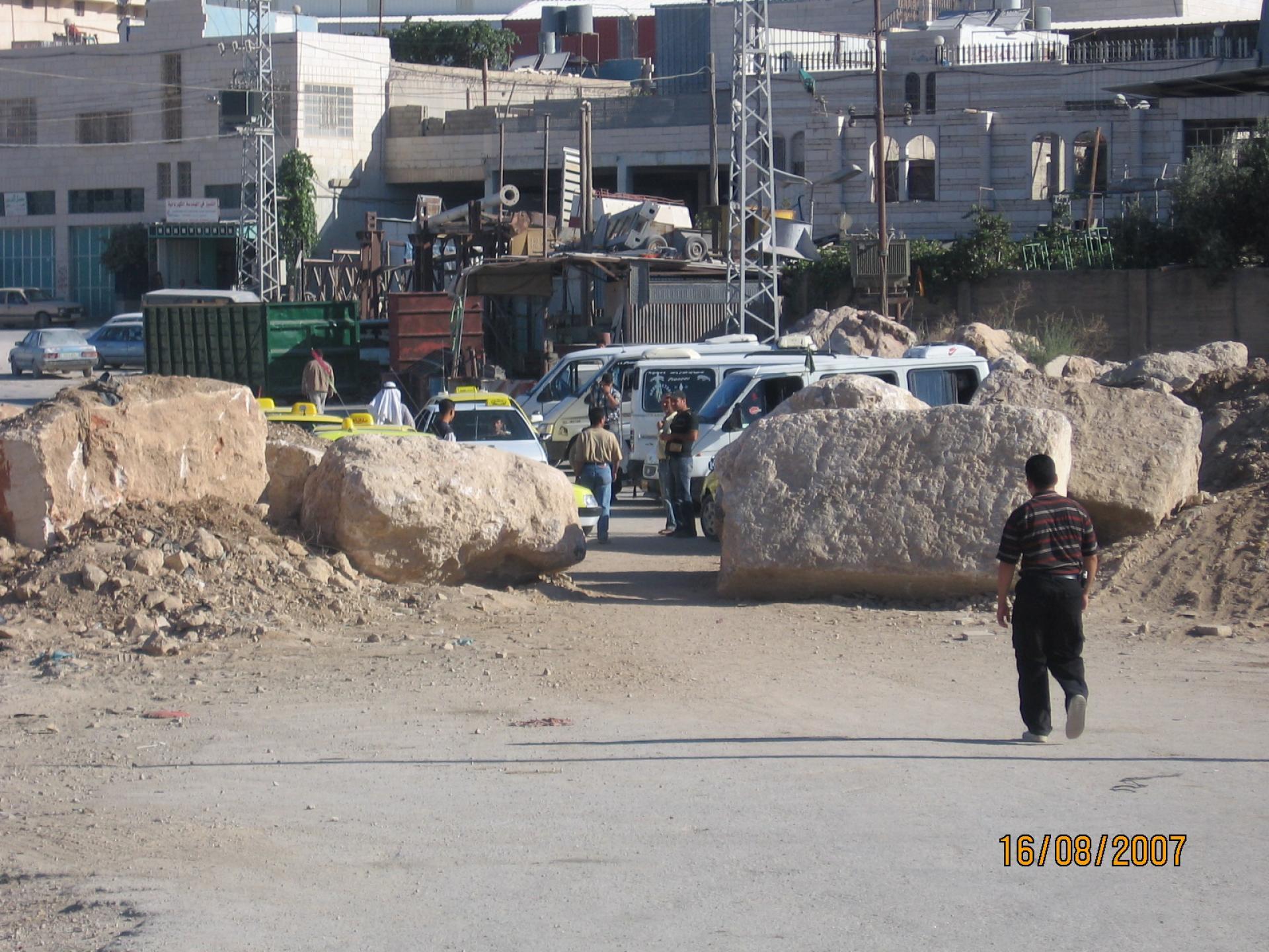 Hebron, Sheep/hakvasim junction 16.08.07