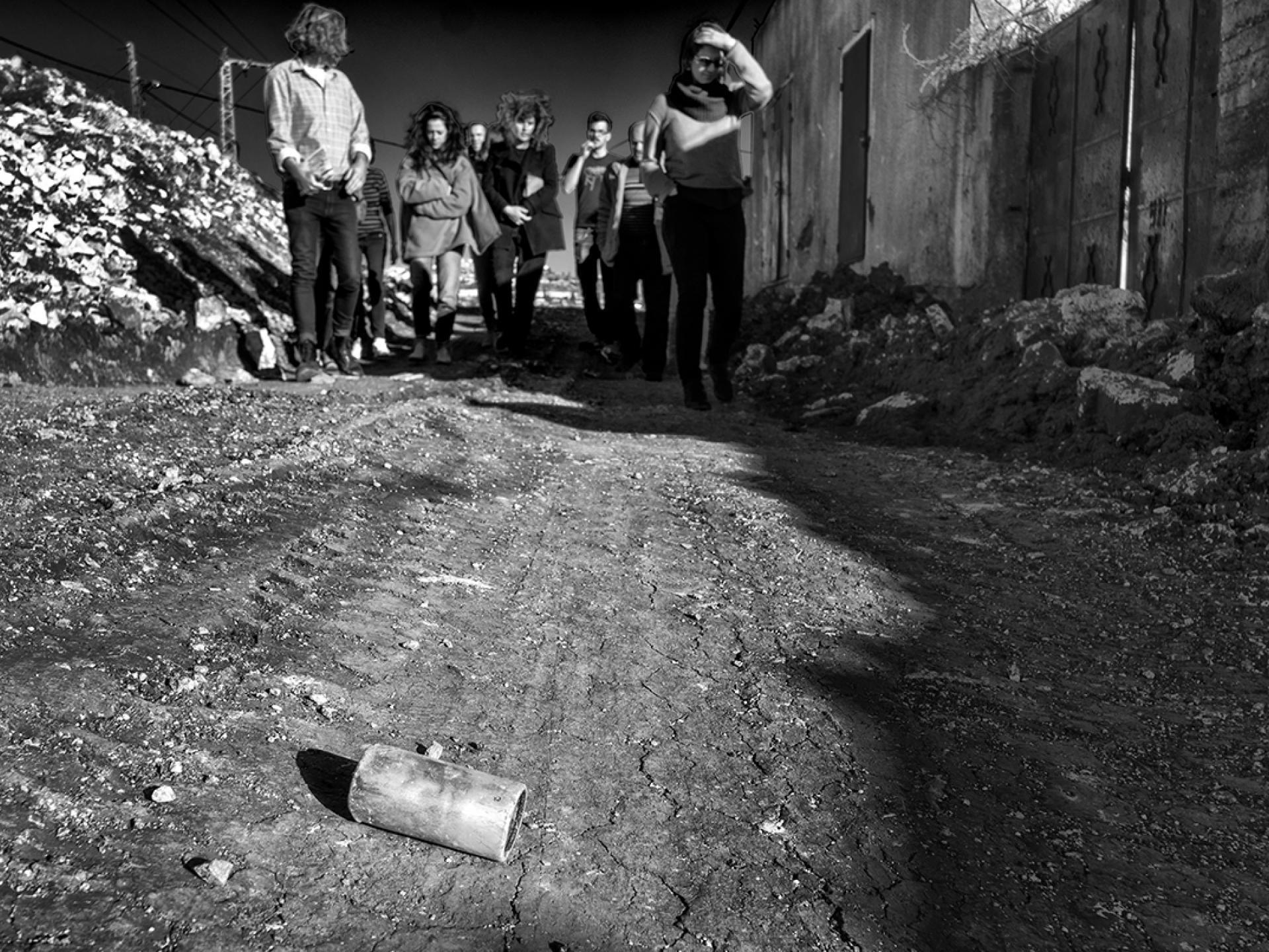 קדום. הדרך לכביש הראשי סגורה לתושבי הכפר. הם פלסטינים/ צילום אורנה נאור
