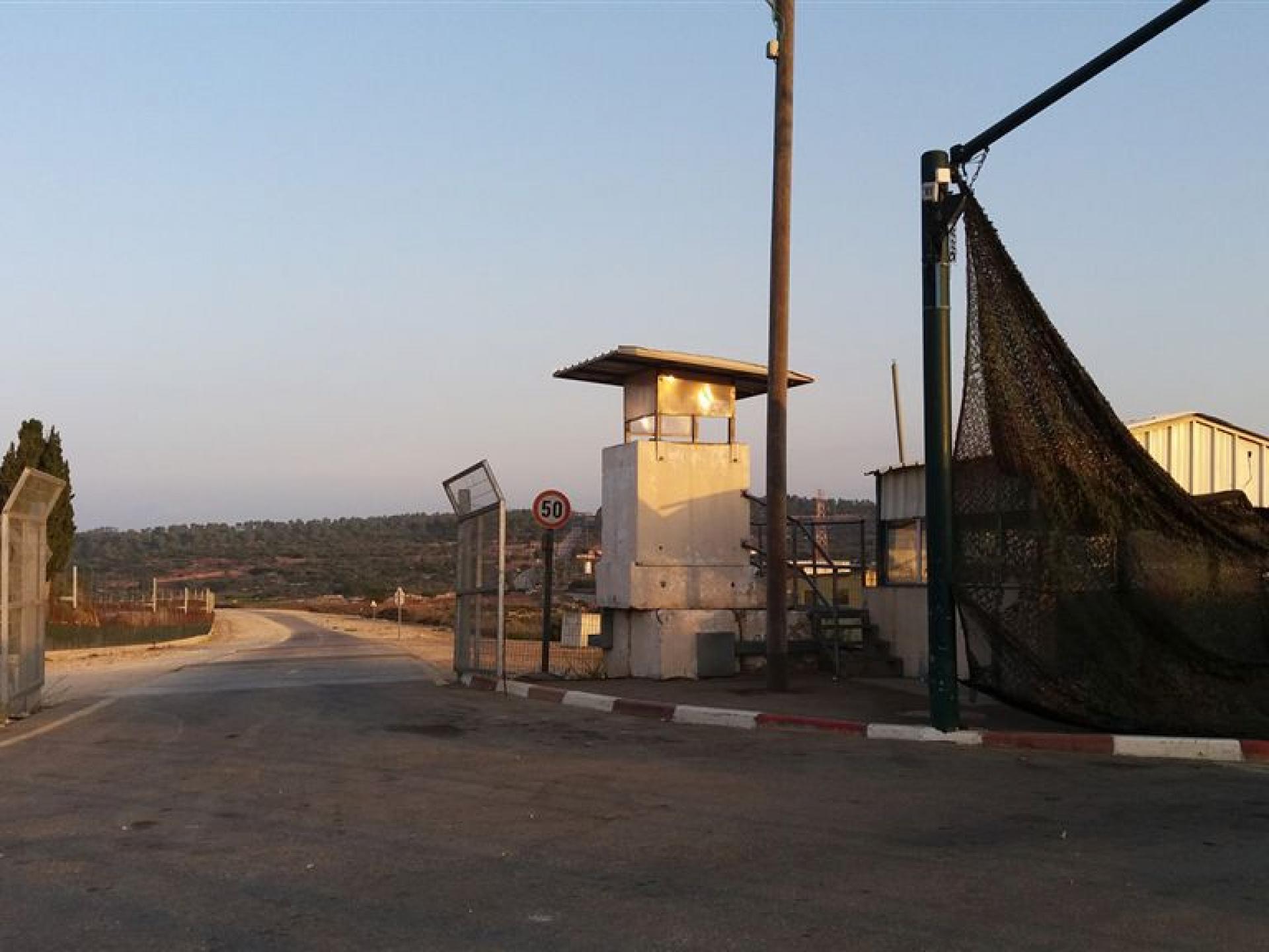 28.08.16 Tura-Shaked checkpoint מחסום טורה-שקד