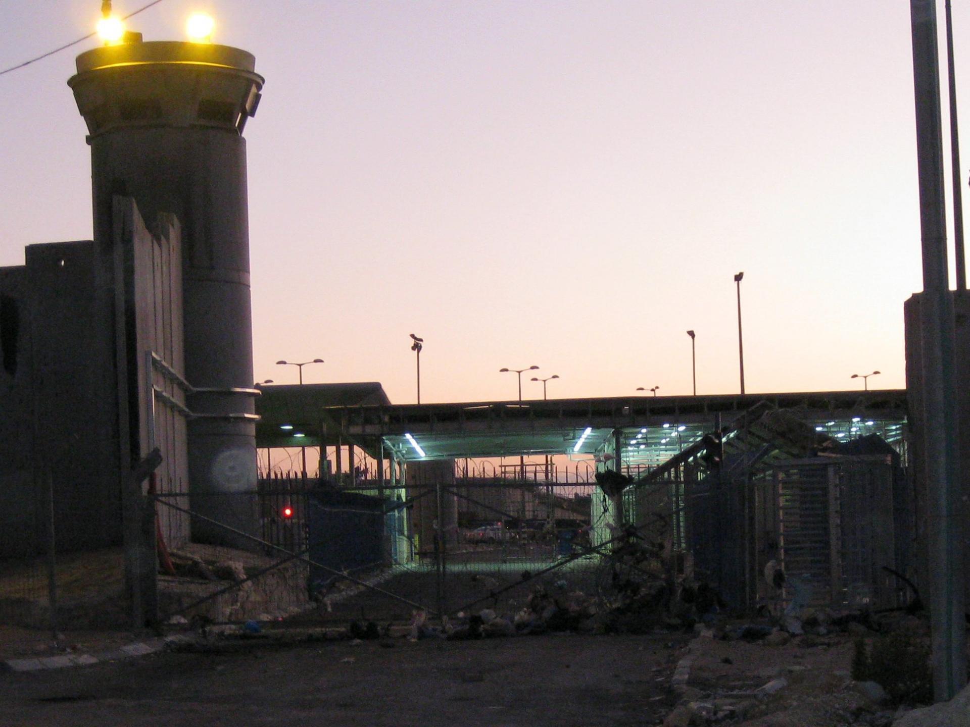 Qalandiya checkpoint 13.12.09