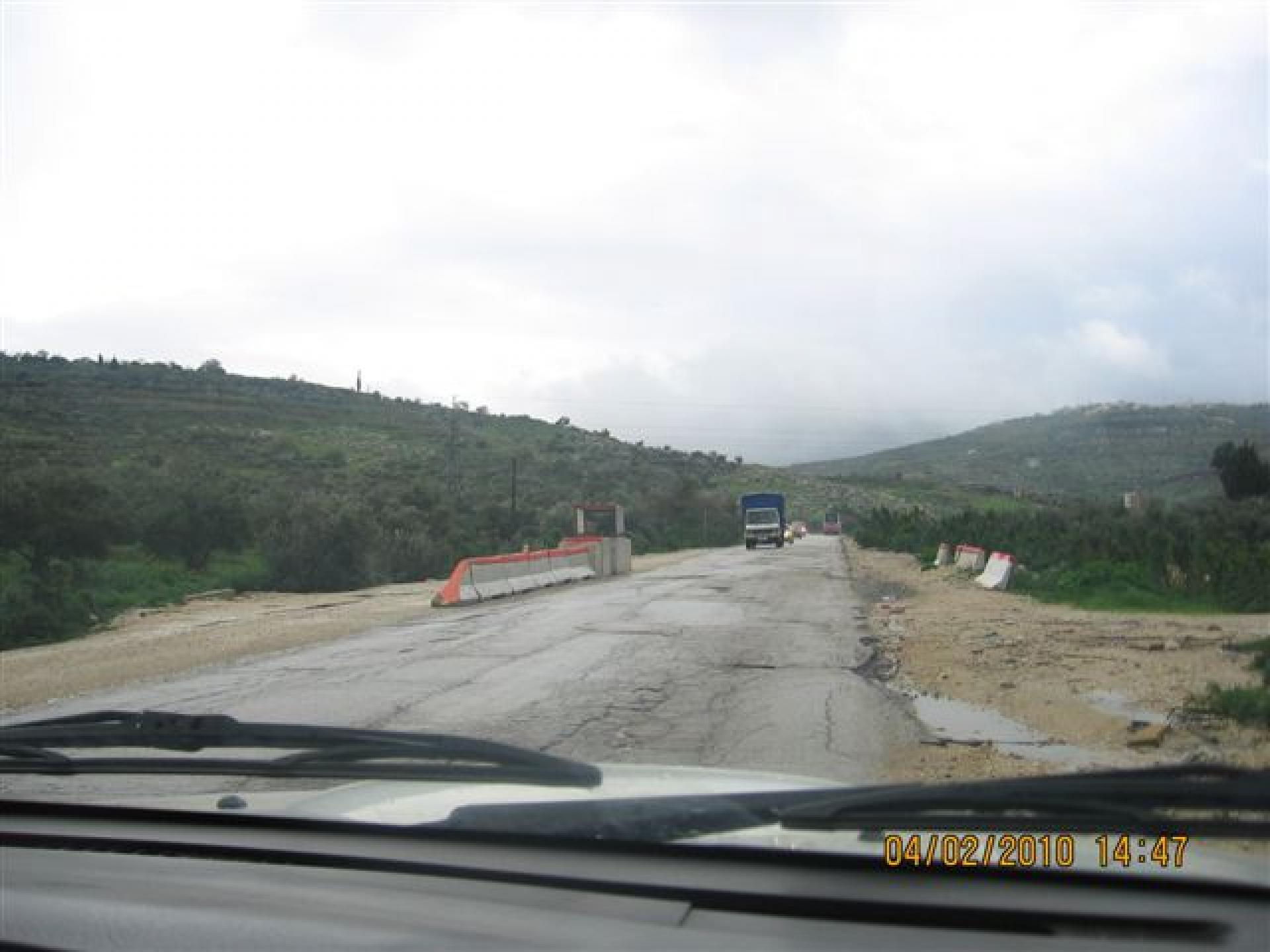 Deir Sharaf/Haviot checkpoint 04.02.10