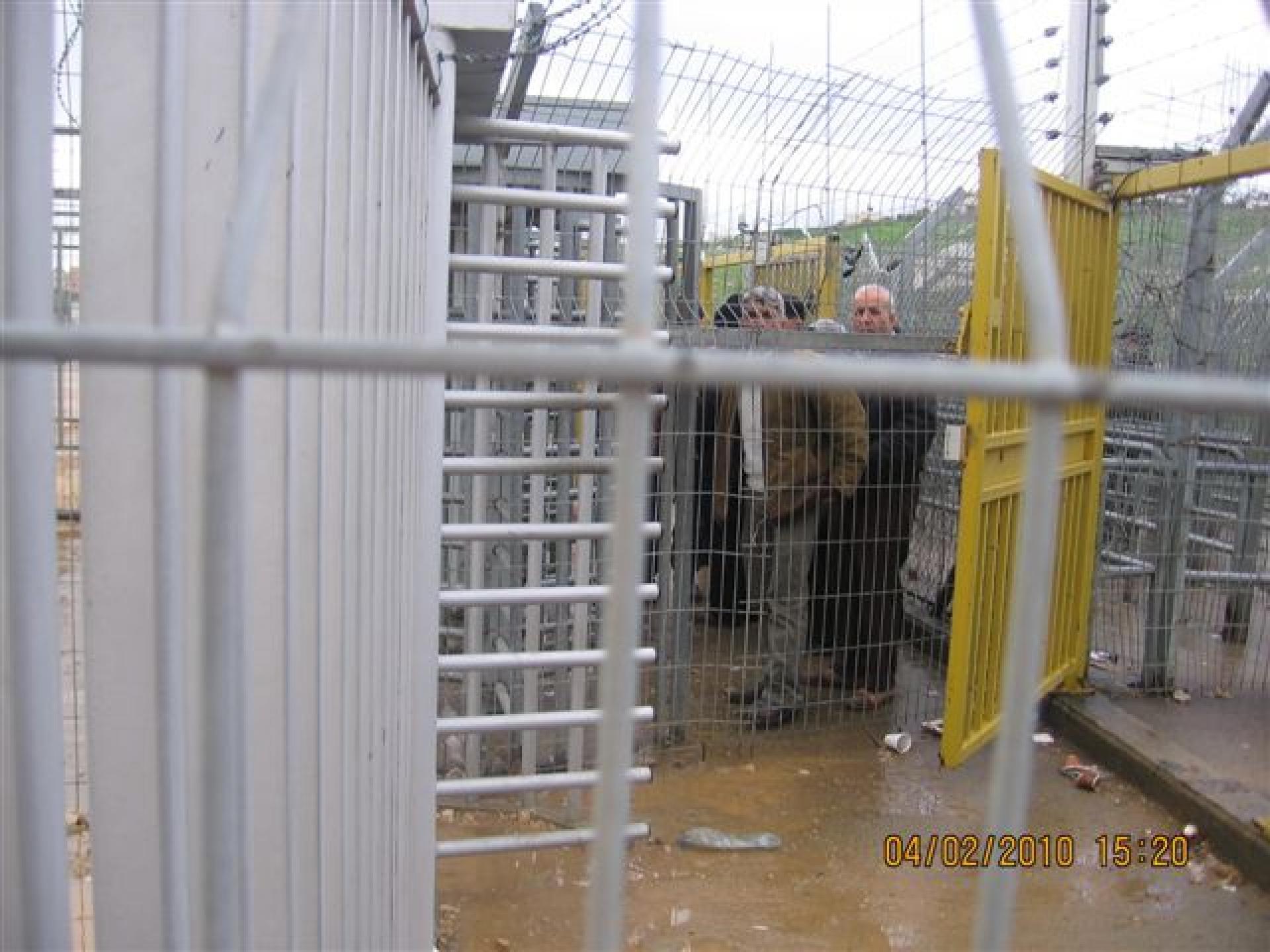 Irtah/Sha'ar Efrayim checkpoint 04.02.10