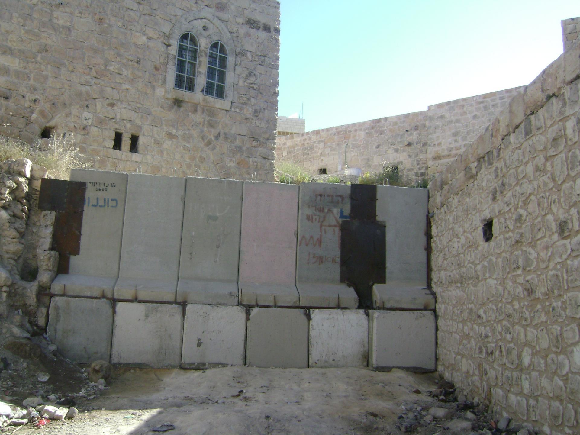 Hebron 15.04.10