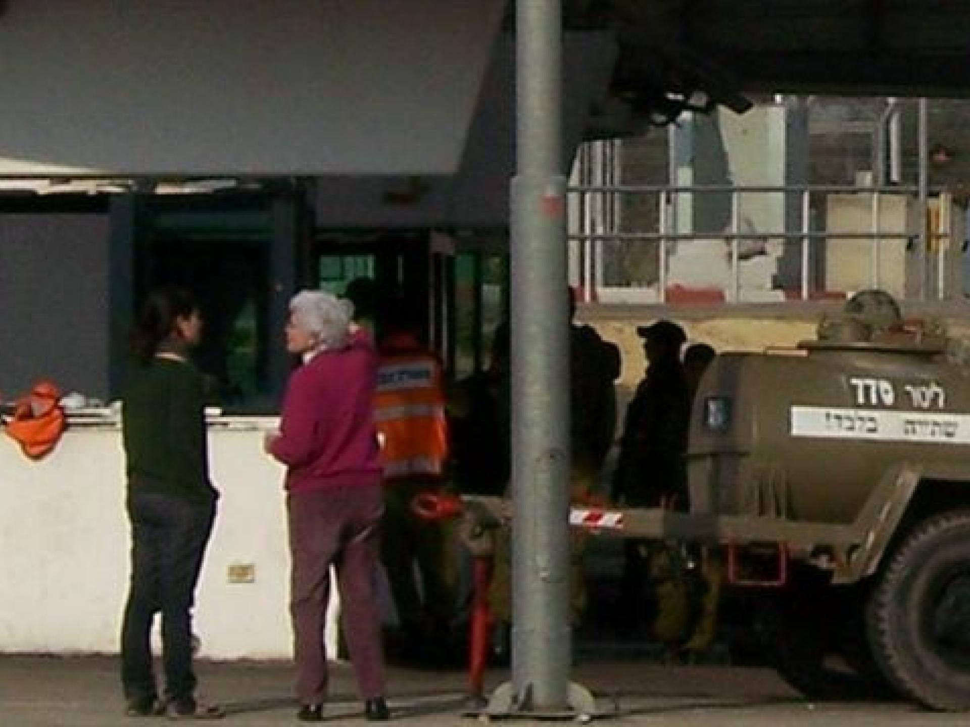 Kafriat/Te'enim checkpoint 2011