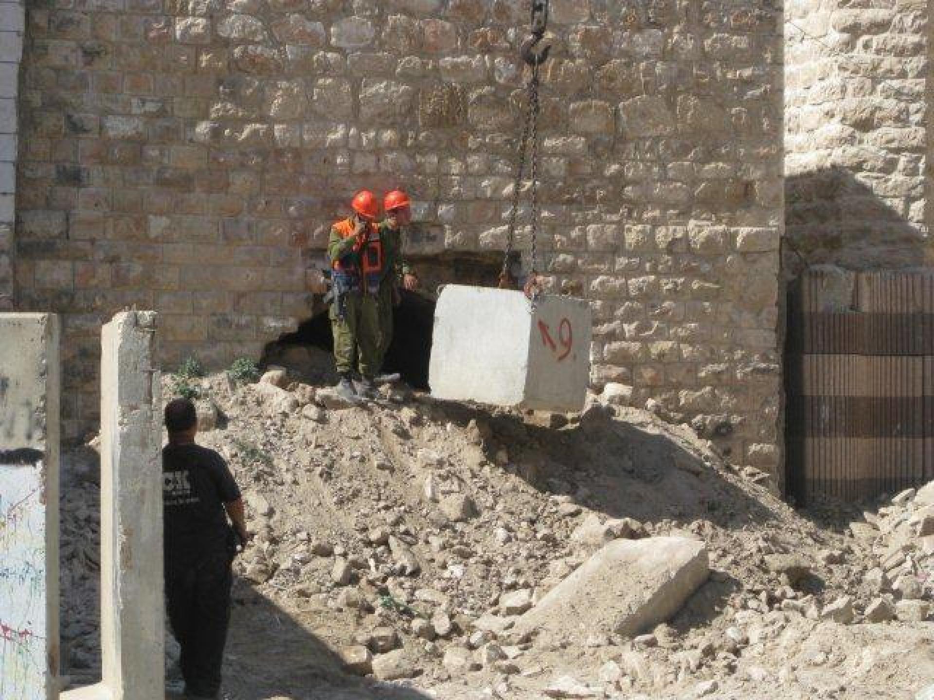Hebron 04.08.11