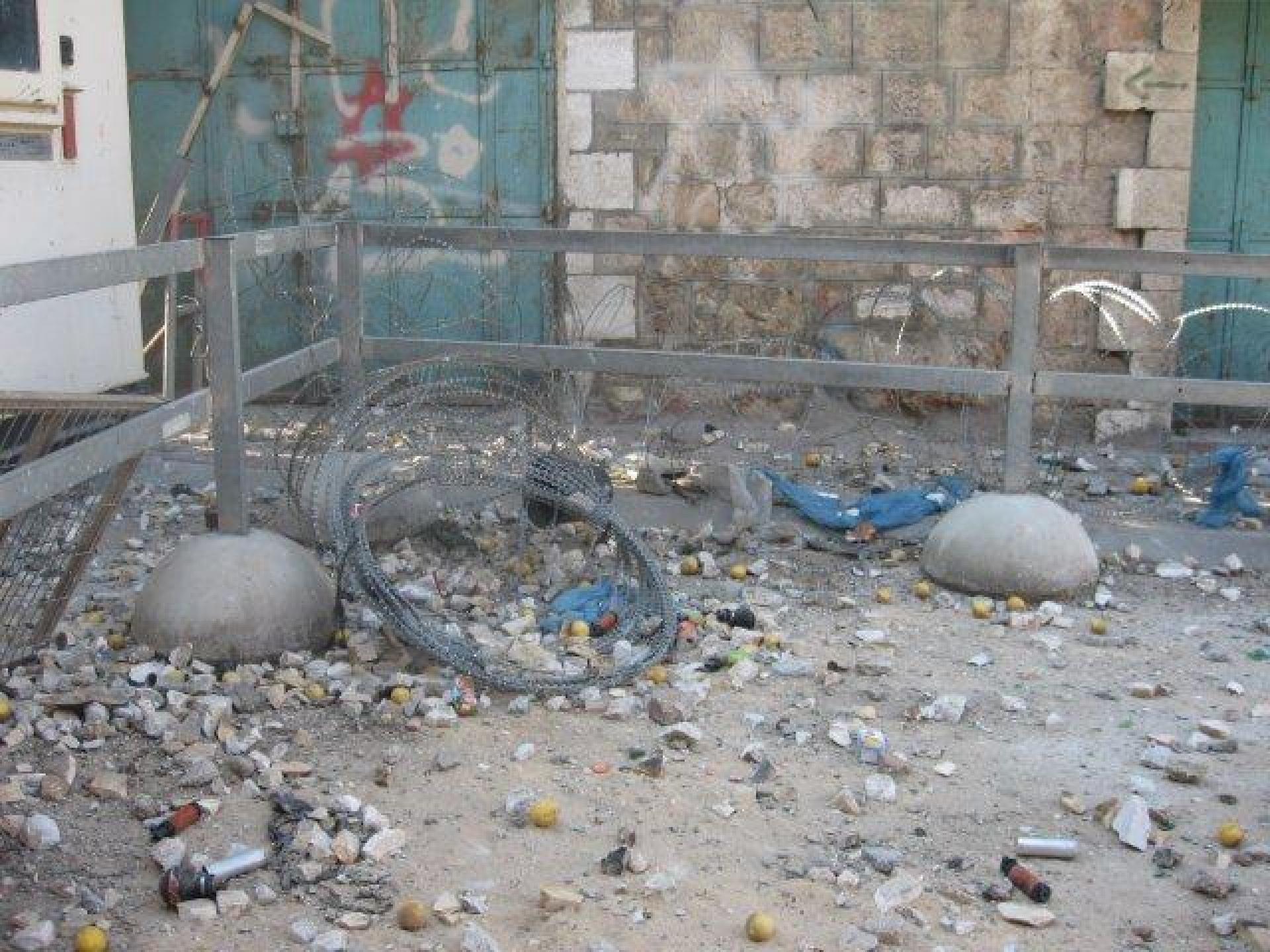 Tarpat checkpoint, Hebron 11.09.12