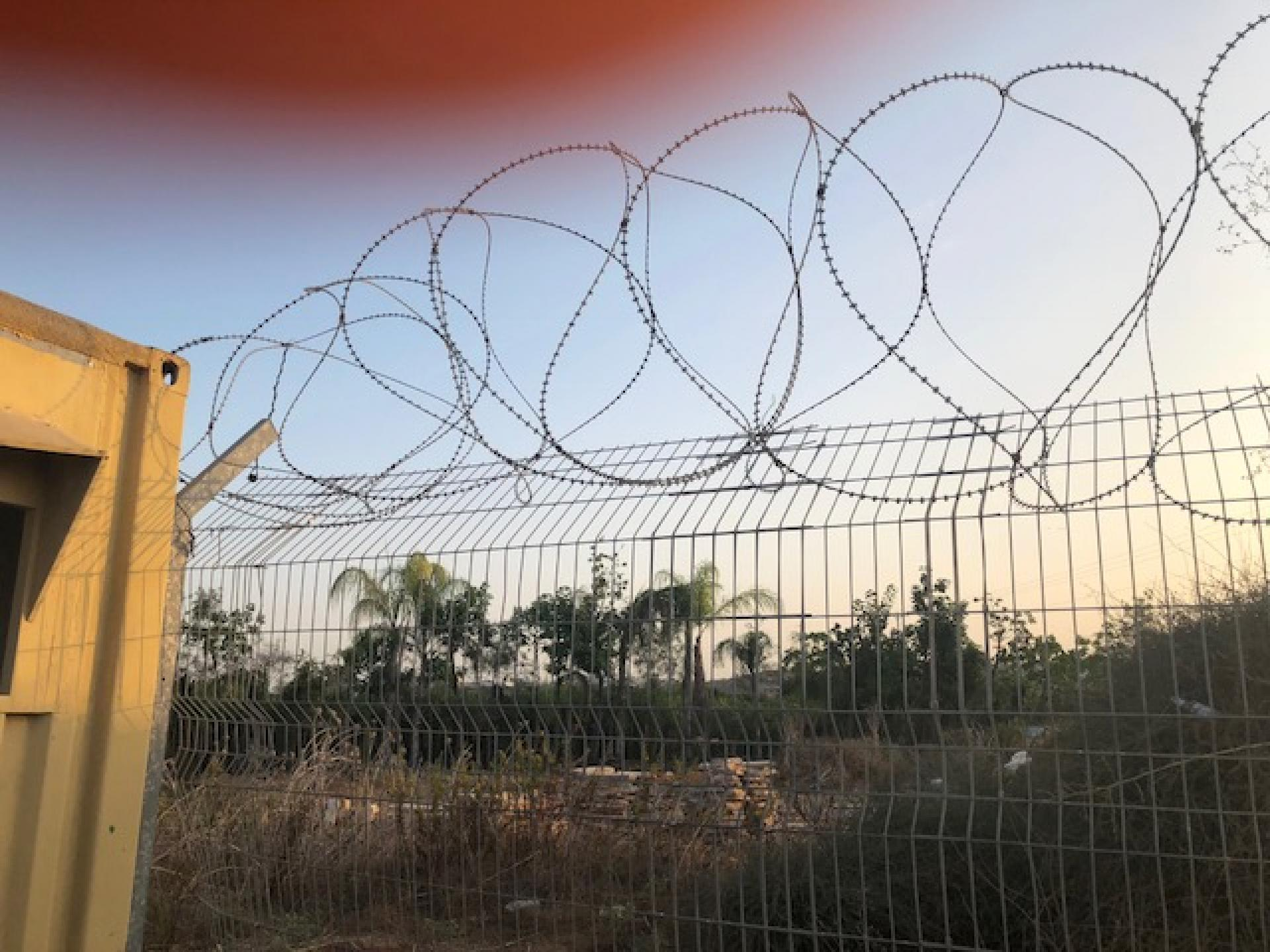 The Habla checkpoint with new barbed wire