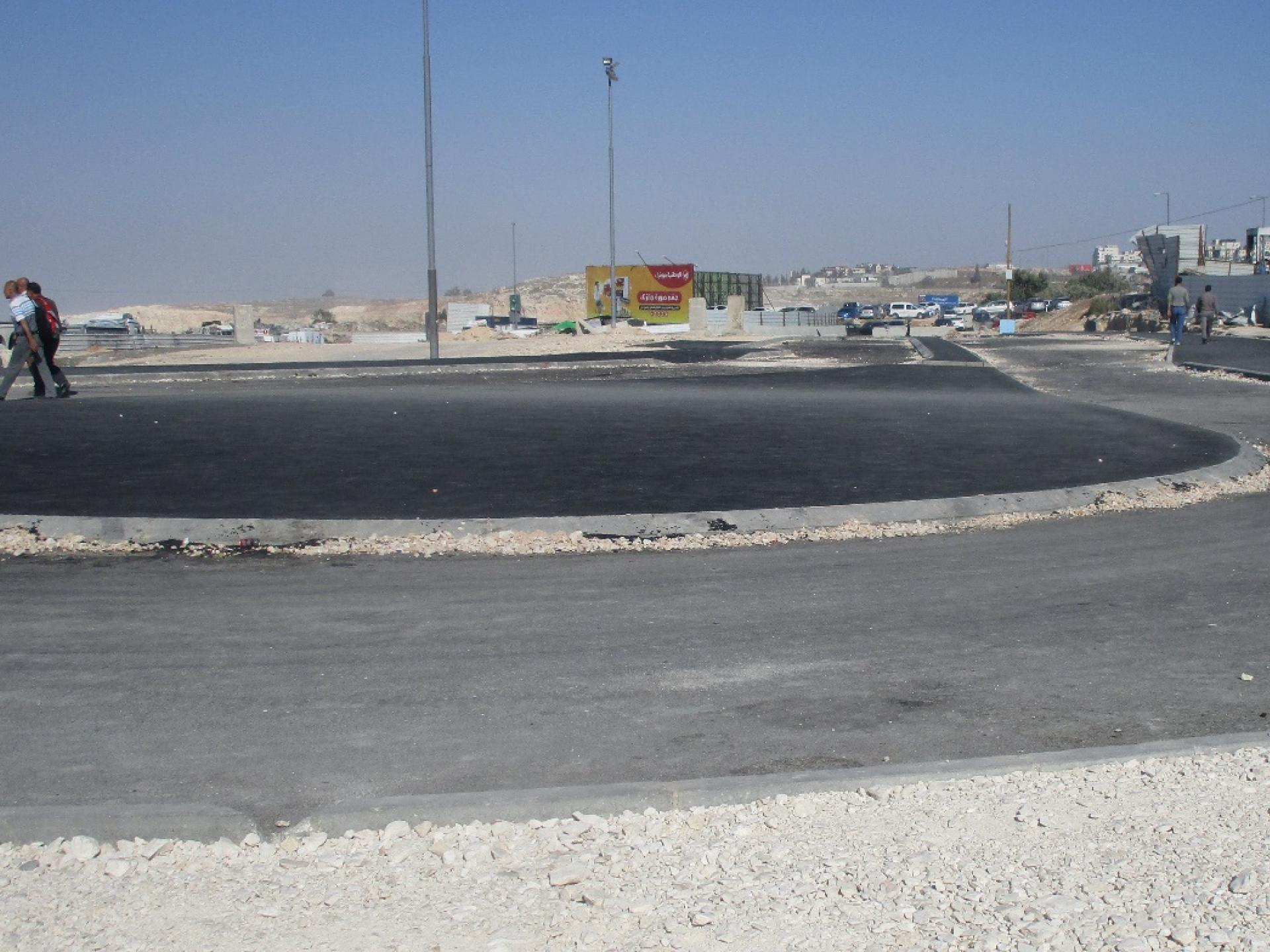 Circular lanes were paved at varying heights