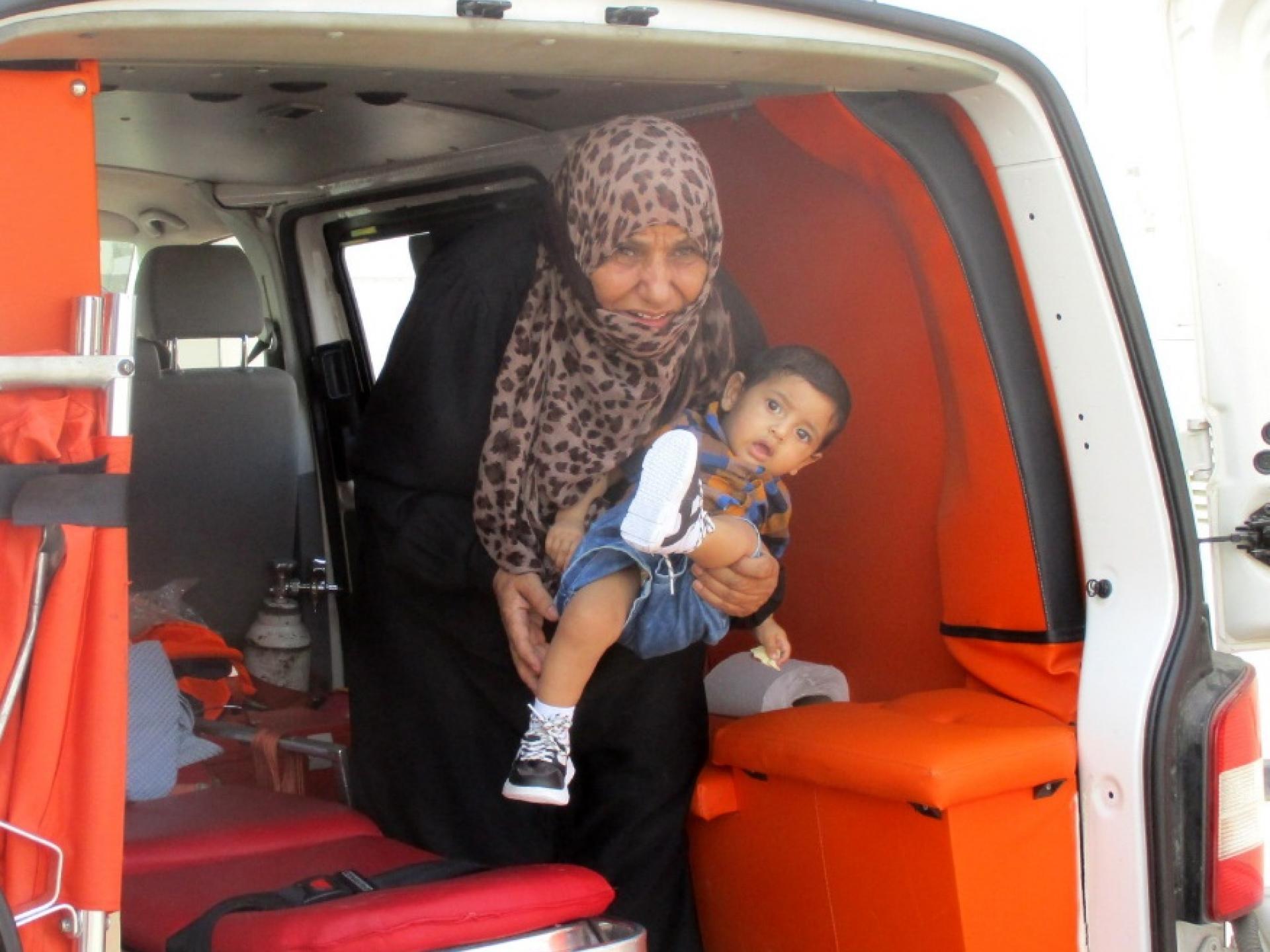 פעוט בן שנתיים מועבר מאמבולנס מהשטחים לאמבולנס מירושלים