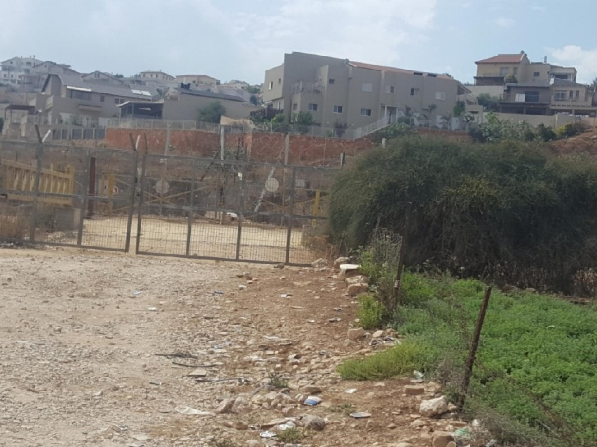 Nirit village beyond the checkpoint