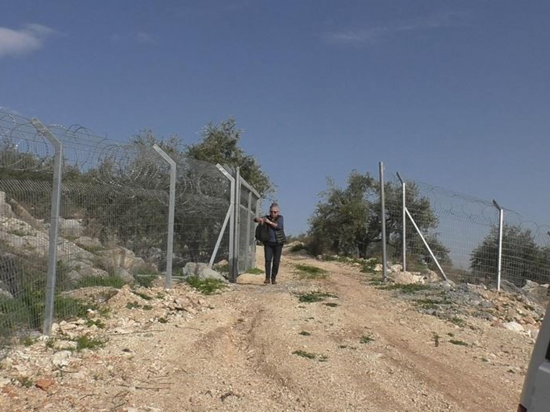 The checkpoint on way to Deir Sam'an