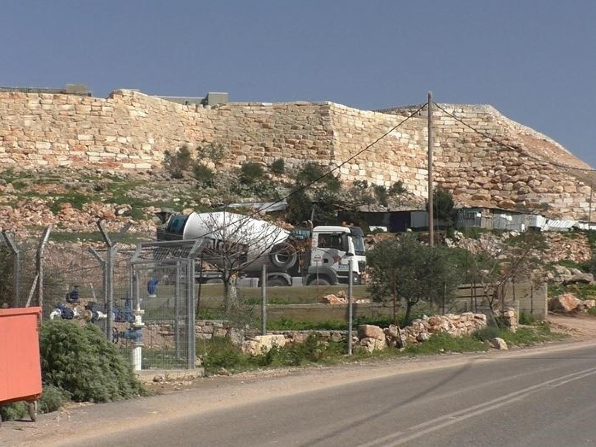 Leshem settler-colony invades the Idris family's land
