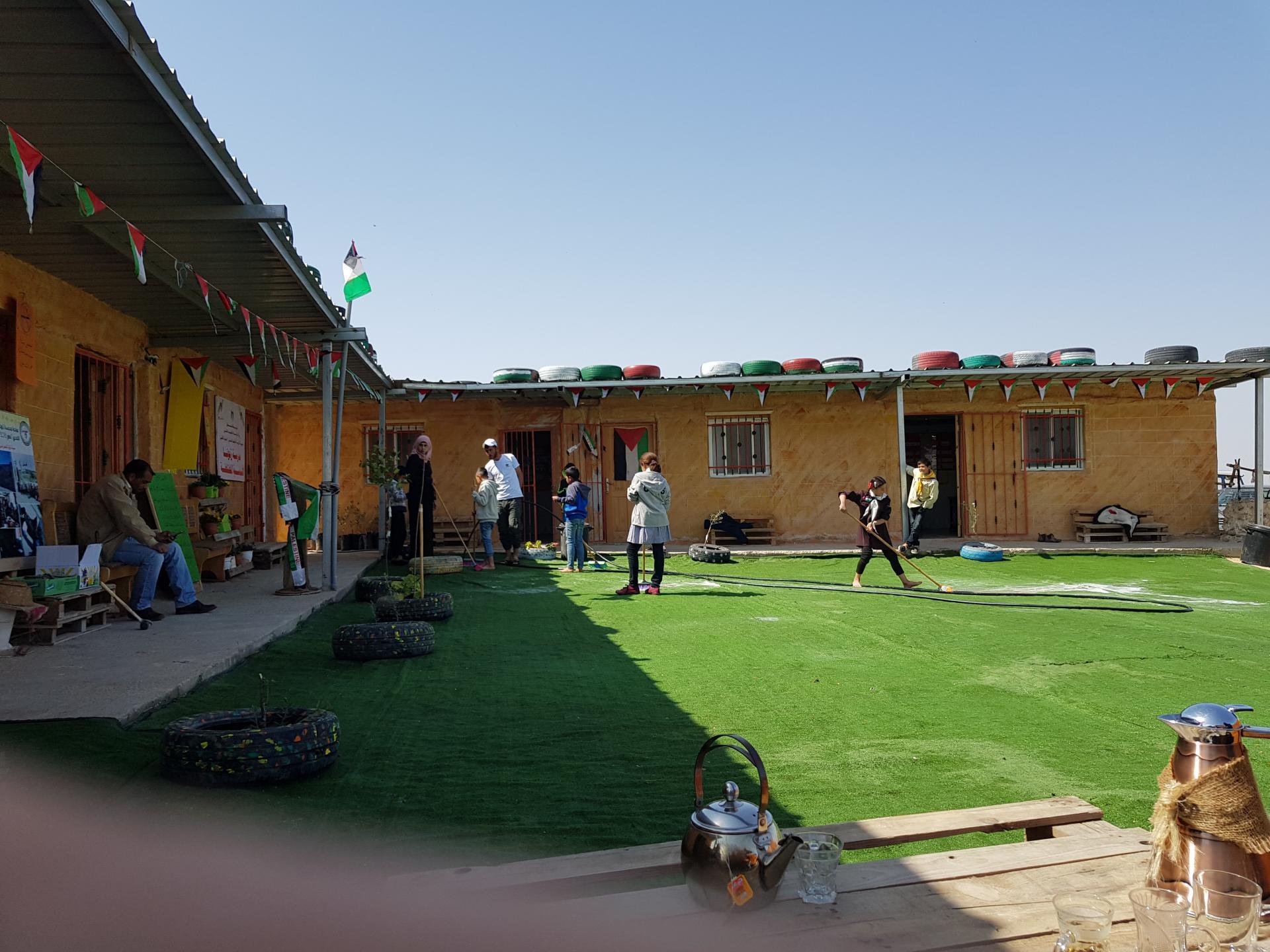 בית הספר בזנותא