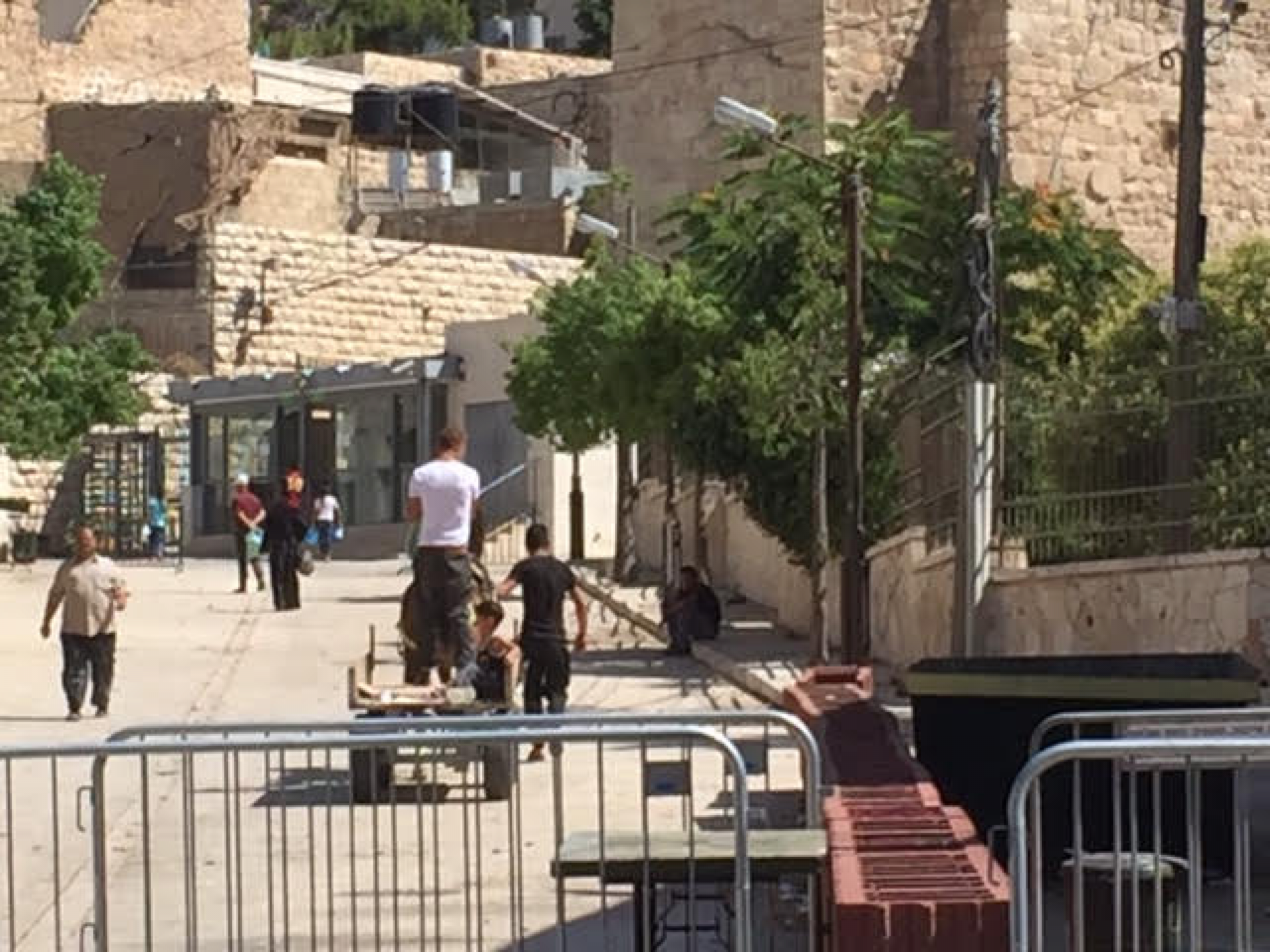 עגלה היא כלי הרכב היחידי שמותר לו להסתובב ברחוב אם הוא לא יהודי