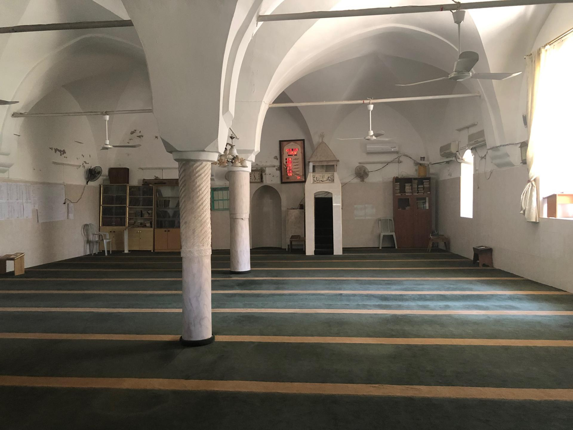 מסגד לא עתיק באזור העיר העתיקה