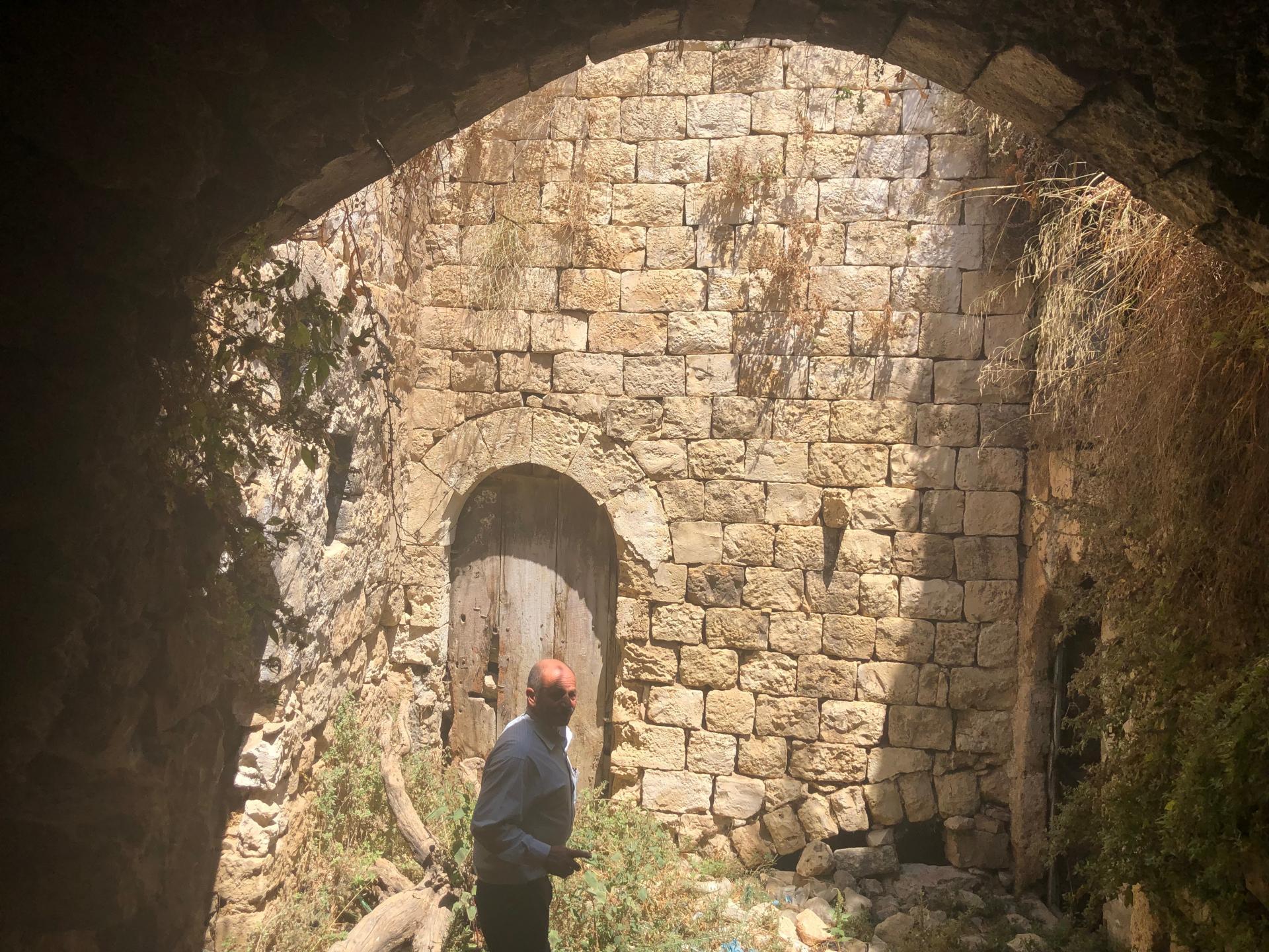 """בית מאבן ב""""קדום העתיקה"""""""