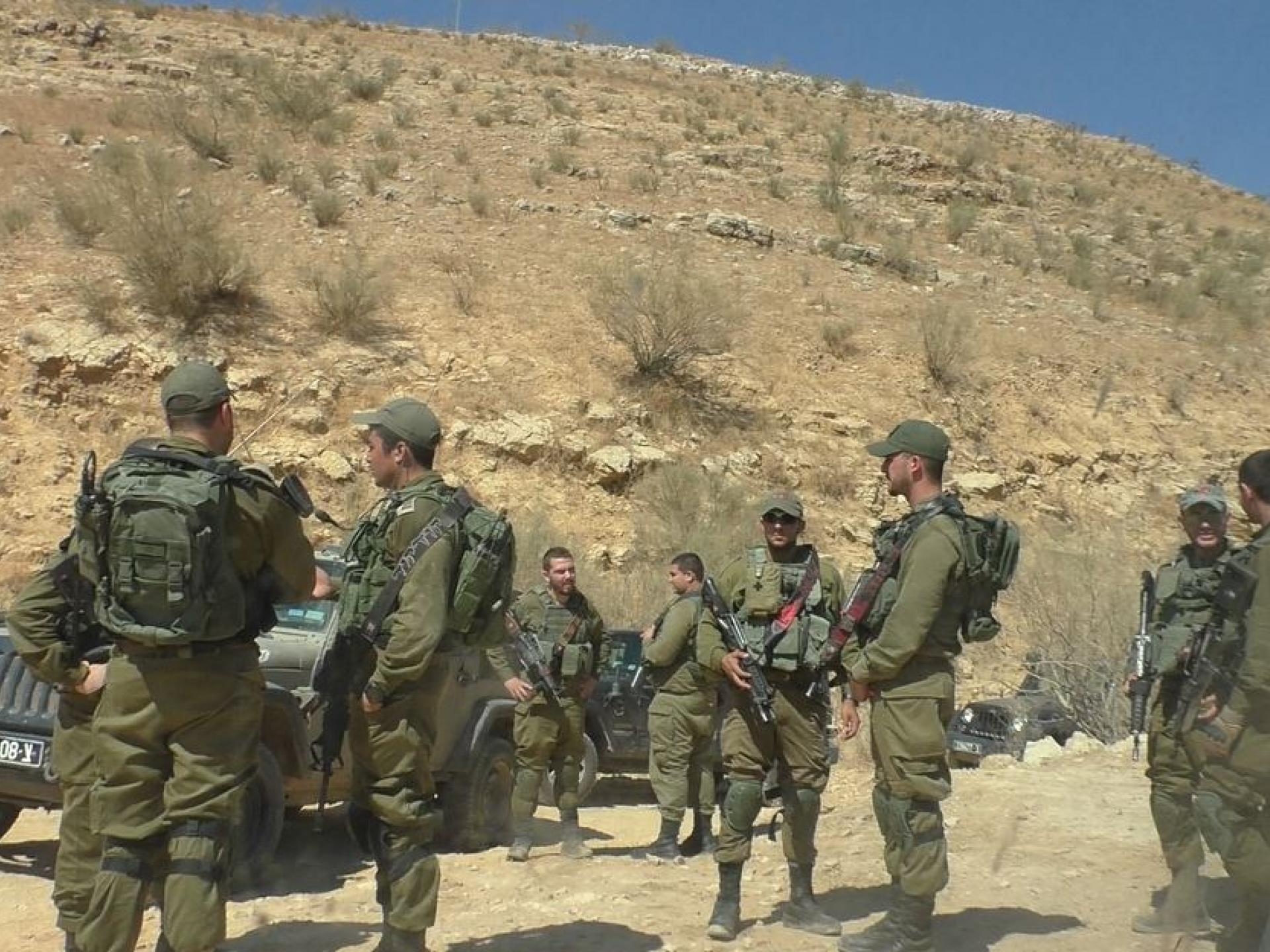קבוצה של אנשי צבא