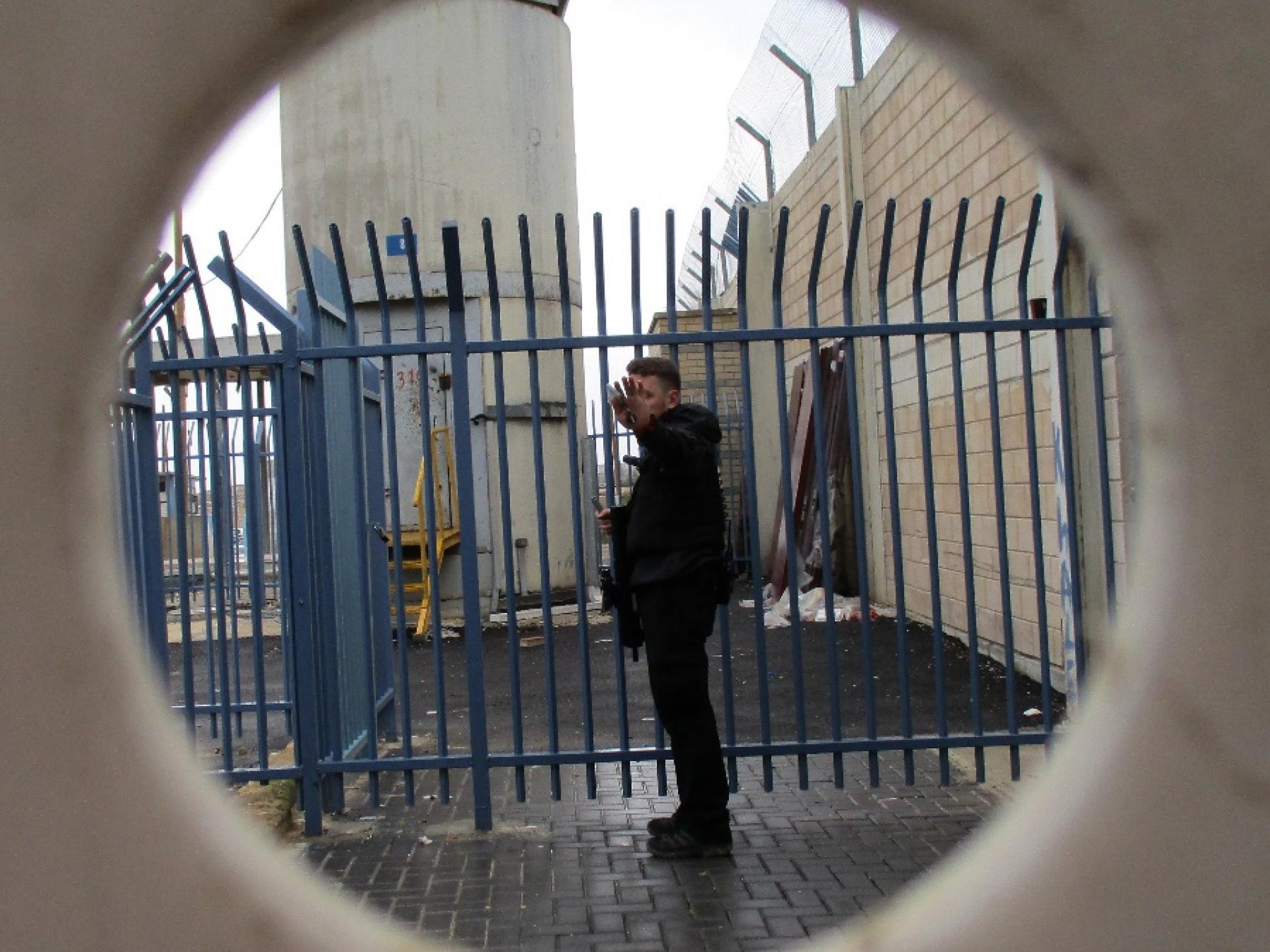 חמוש במחסום קלנדיה