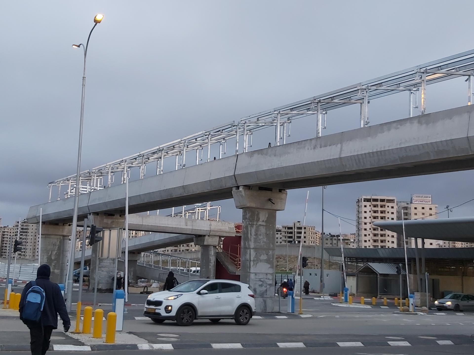 גשר הולכי הרגל 2