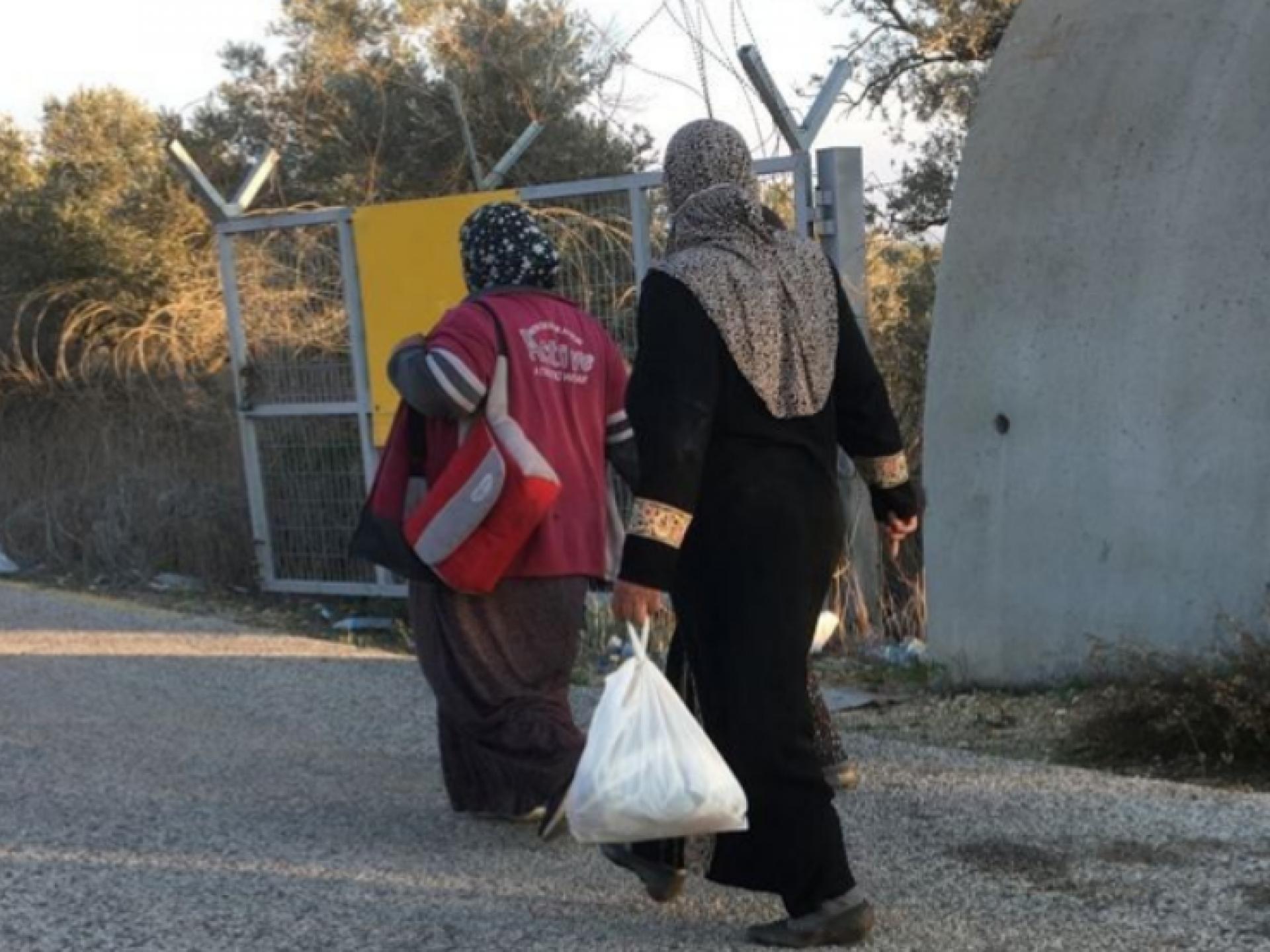מחסום עאנין: בסוף יום המסיק חוזרים הביתה לכפר עאנין