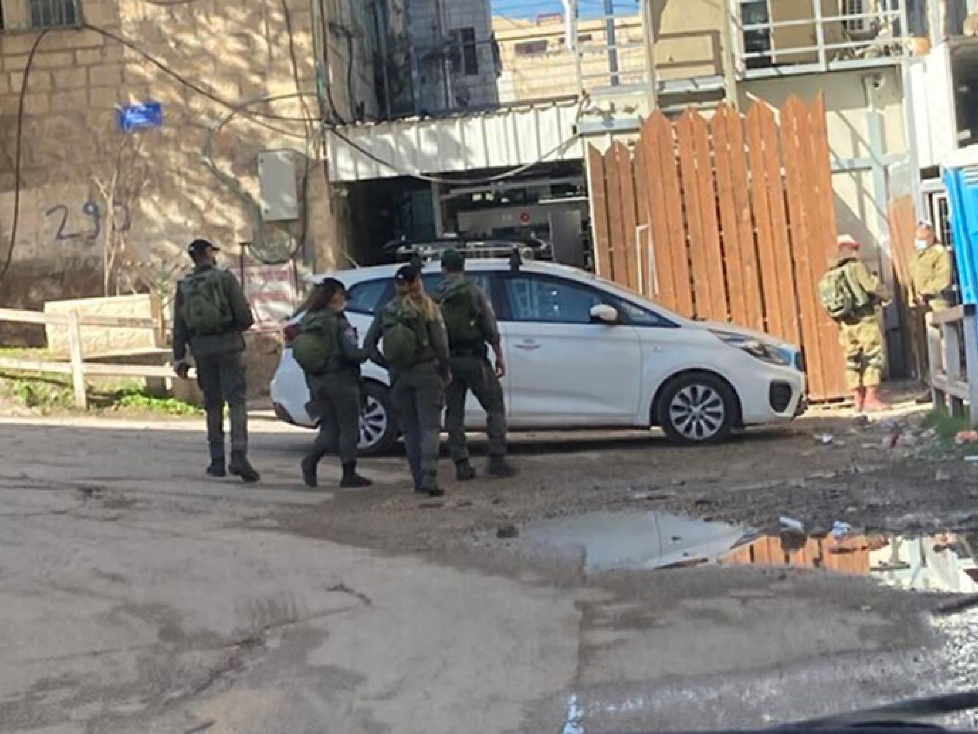 חברון: שוטרי משמר הגבול עסוקים במשימה כלשהי