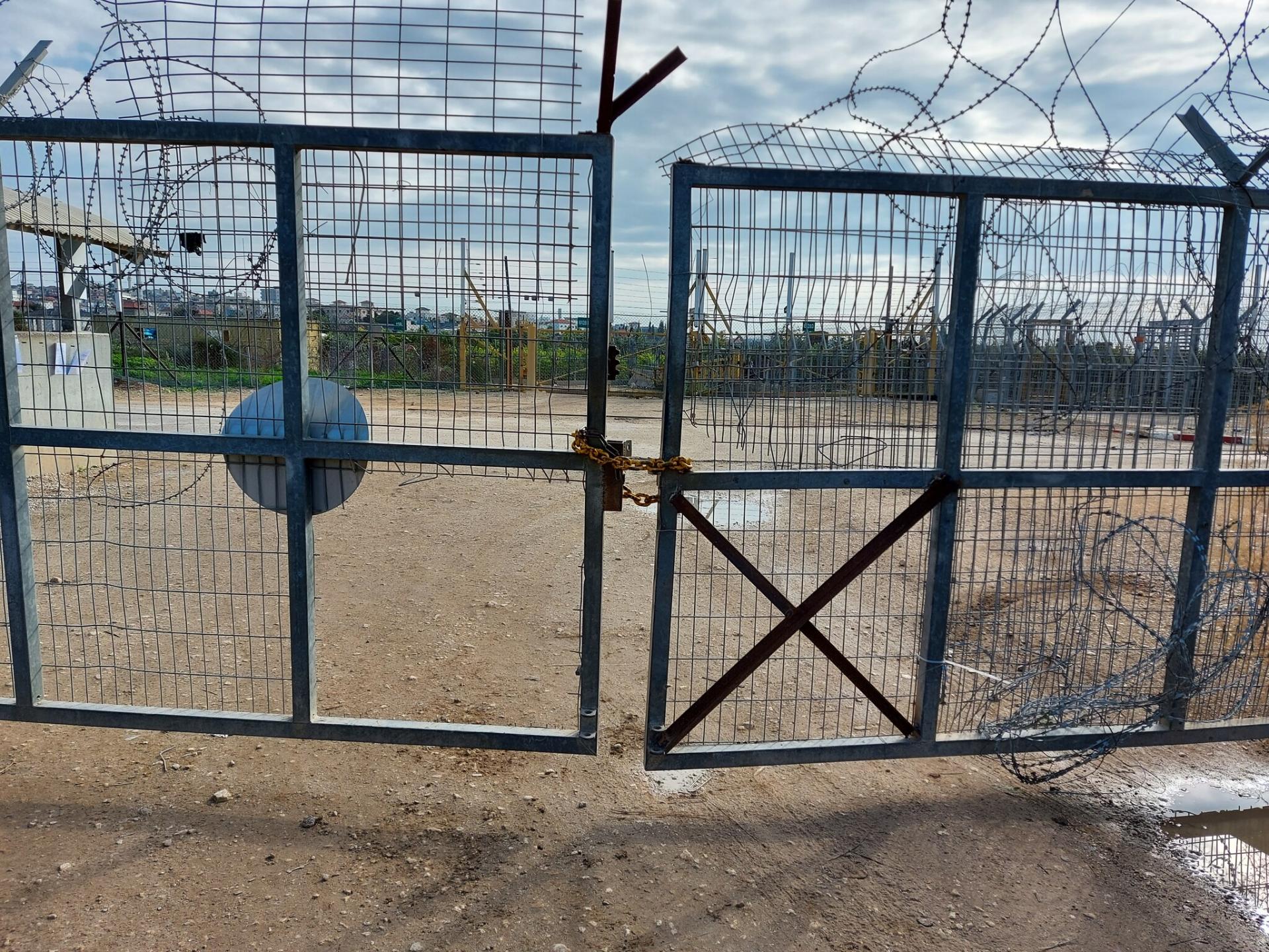 השער הפרוץ בחבלה