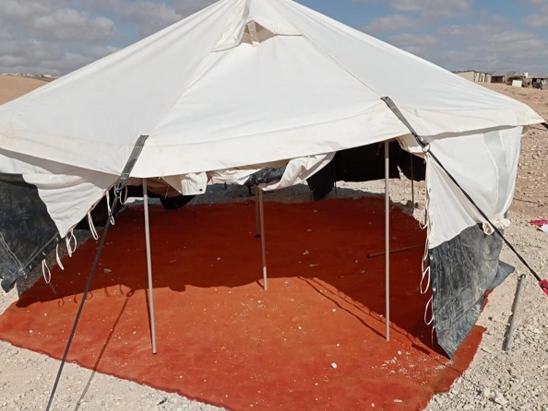 האוהל שקדם למבנה בית הספר