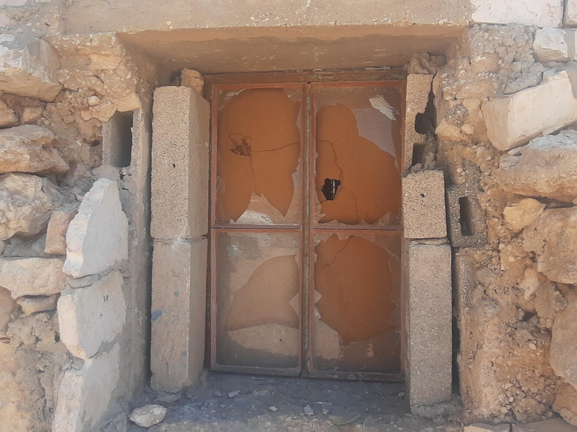 מופקרה - דלת בית אחרי הפוגרום