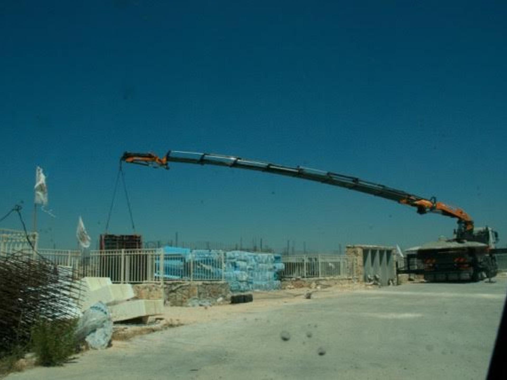 Beginning of building opposite Havat Maon