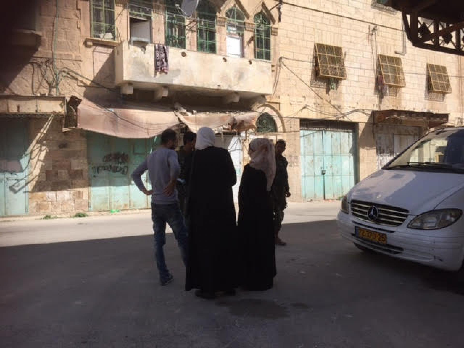 שלושה פלסטינים התבלבלו בדרכם לבית הדין השרעי והחיילים עכבו אותם