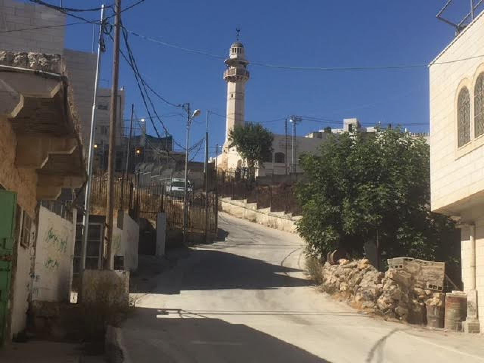 Tel Rumaida checkpoint viewed from below