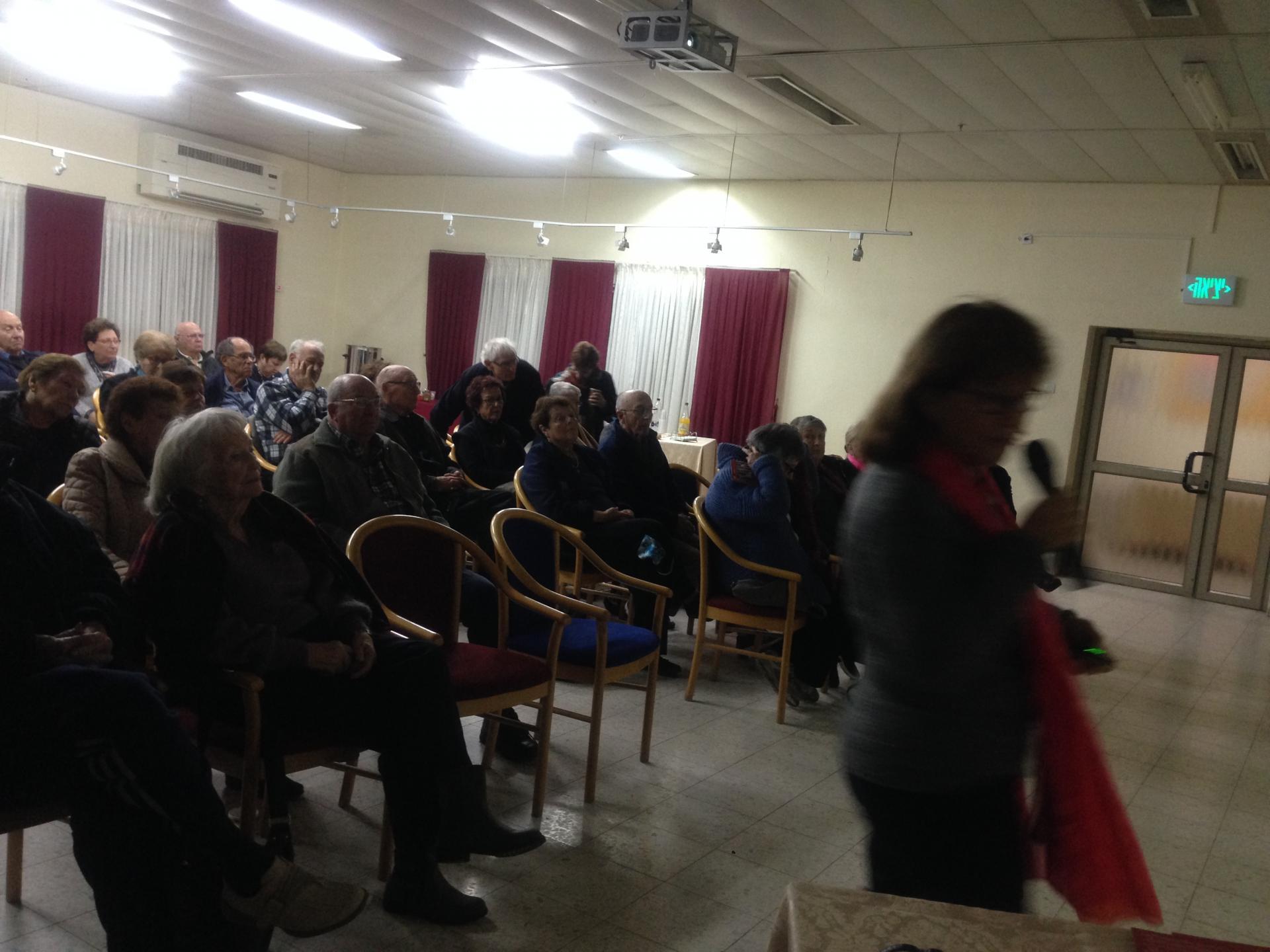 """במפגש שהתקיים במתנ""""ס: סיור וירטואלי בגדה המערבית"""