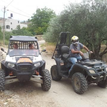 15.05.14 Armed Israelis on buggies in Burin חמושים ישראלים על טרקטורונים בבורין