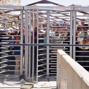 Beit Iba checkpoint 2004