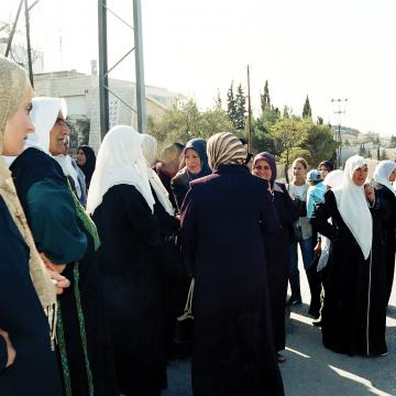 Abu Dis women trying to cross to Jerusalem for prayers
