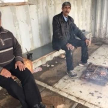 מחסום עאנין: ממתינים בסככה לפתיחת המחסום
