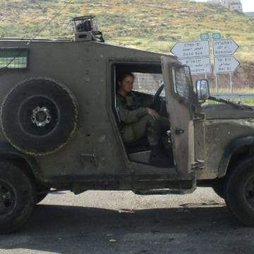 רכב צבאי מאויש מפגין נוכחות