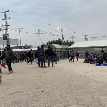 פועלים מהגדה עוברים לישראל בבוקר